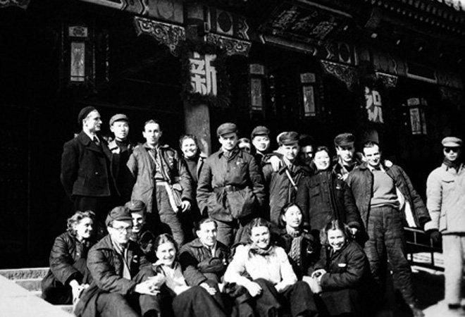 """1950年,""""东欧交换生中国语文专修班""""成立"""